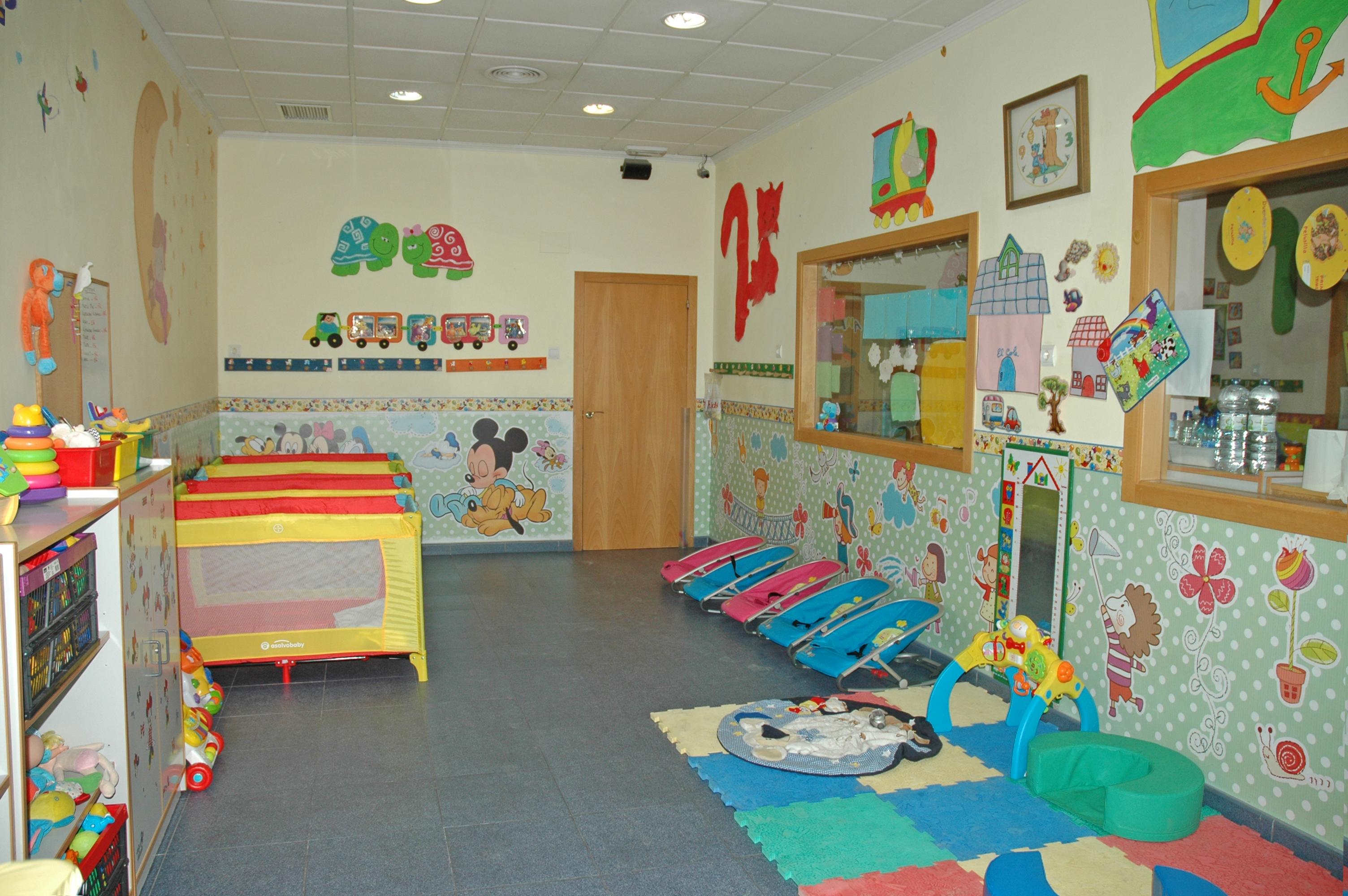 Guarderia en elche escuela infantil el trenet for Decoracion escuela